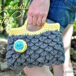 Crochet Crocodile Clutch Purse {free crochet pattern}