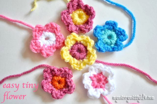 Crochet Easy Tiny Flower {free crochet pattern}