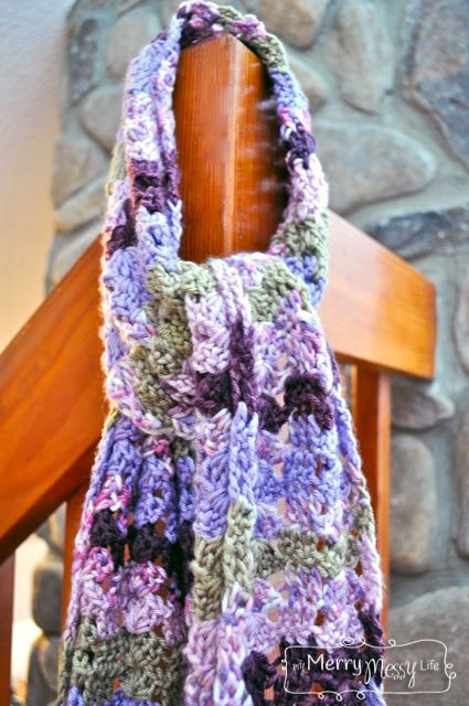 Crochet Shells and Rails Scarf – Free Pattern
